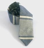 Chambray-Stripe-Necktie-traveler_1_0_Knox_Henderson_Necktie_1