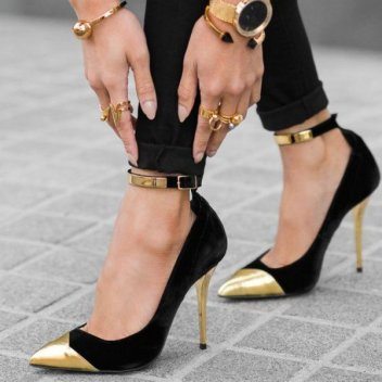 Black & Golden Stilleto